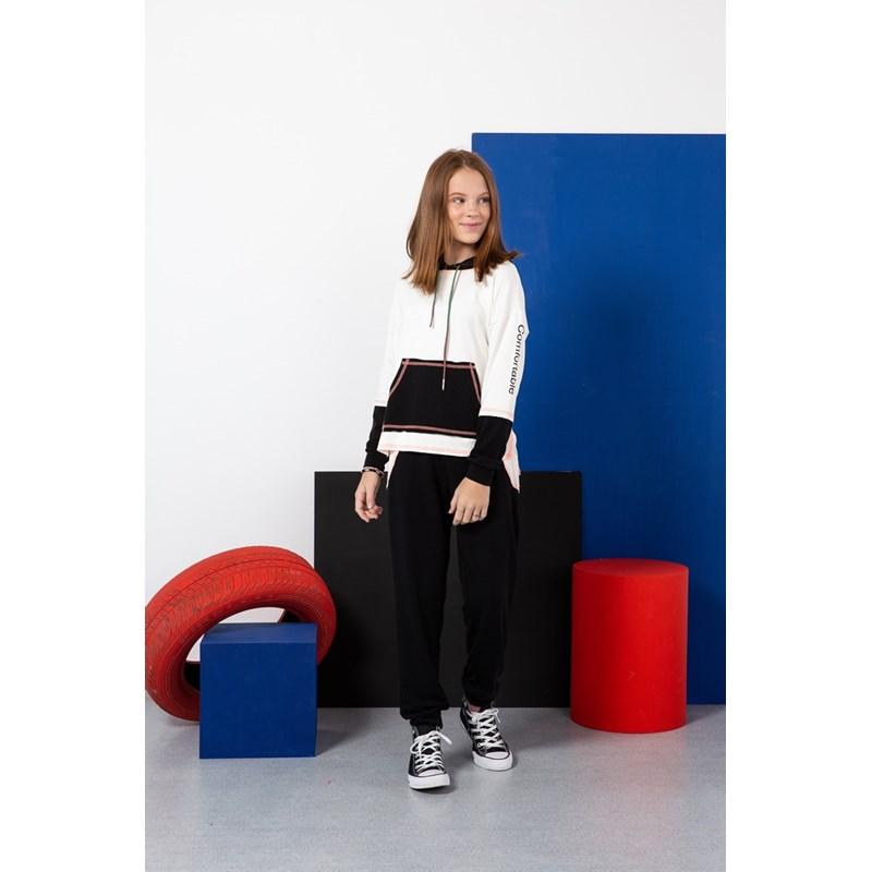 Calça teen feminina em moletinho com recortes em duas cores Preto