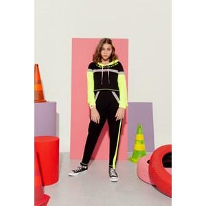 Calça teen feminina em moletinho tres cores detalhes neon Preto