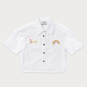 "Camisa teen manga curta com bordado ""LOVE"" e arco iris BRANCO"