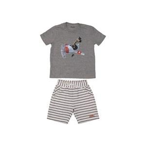 Conjunto infantil masculino t shirt estampa girafinha no aviao + bermuda moletom listrada CRU