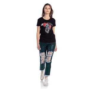 T shirt feminina teen estampa de coracao e flores com paete Preto