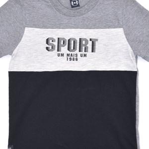 T-Shirt Infantil / Kids Em Malha Com Estampa Frontal E Recortes - Um Mais Um Preto
