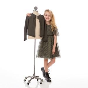 Vestido Infantil / Kids Em Renda Swiss Com Corneli E Cinto Em Tricoline Tropical - Um Mais Um Verde